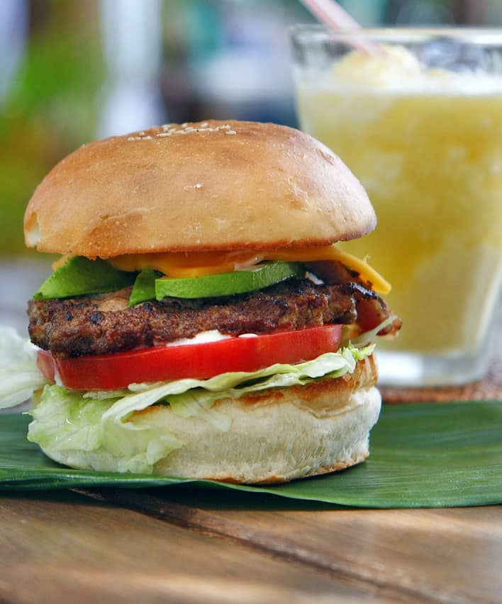 How to Make Homemade Mayonnaise for Burgers