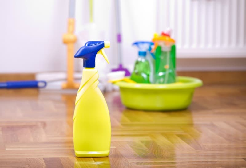 Easy Homemade Cleaning Recipes to get Holiday Ready
